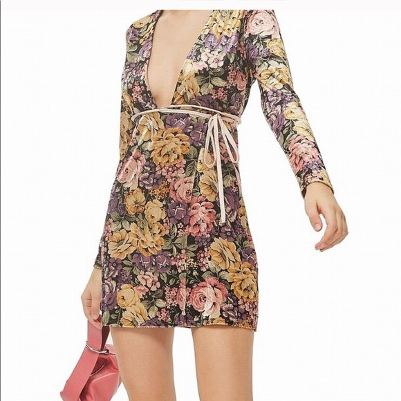 Topshop Dresses & Skirts - TOPSHOP Floral Wrap Dress